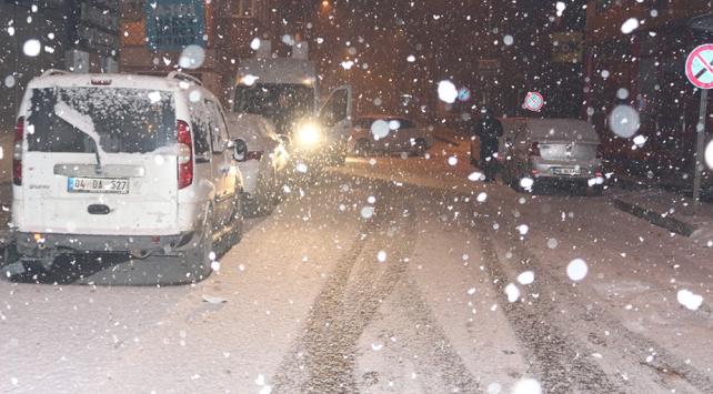 Ağrı'da eğitime kar tatili