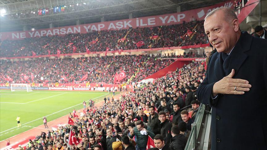 Cumhurbaşkanı Erdoğan, A Milli Futbol Takımı'nın maçını izledi