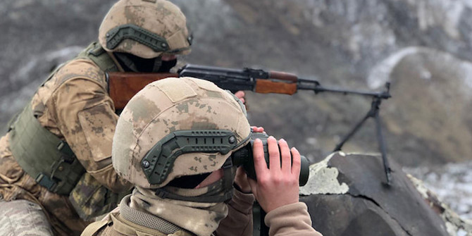 Mehmetçik ile PKK'lı teröristler arasında çatışma!