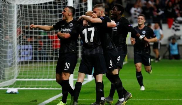 Benfica fırsat tepti, Eintracht Frankfurt turladı!