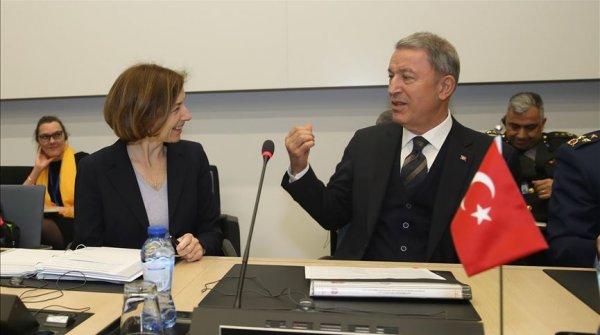 Milli Savunma Bakanı Hulusi Akar Fransız mevkidaşı ile görüştü