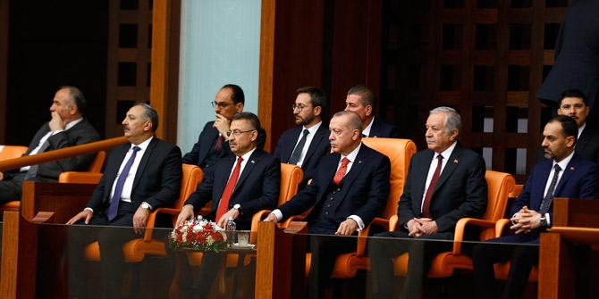 Cumhurbaşkanı Erdoğan, Meclis'teki oturumu terk etti, açıklamalarda bulundu