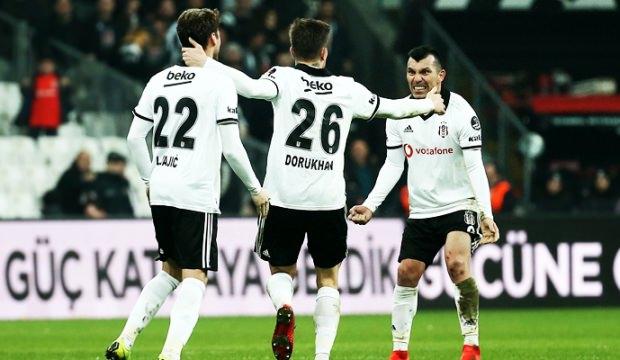 Beşiktaş'ta Medel şoku! Sezonu kapattı...