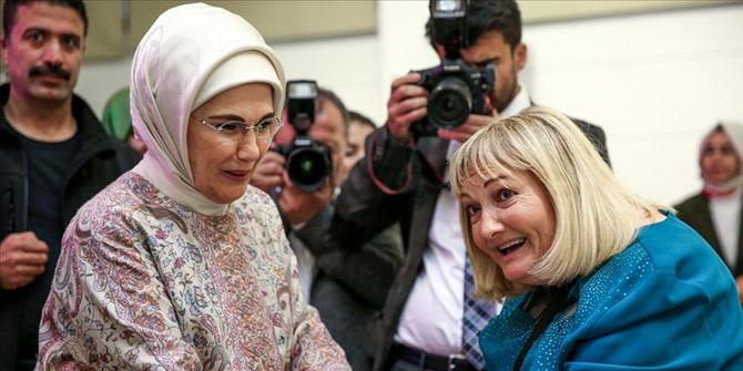Emine Erdoğan Darülaceze sakinleriyle iftarda buluştu
