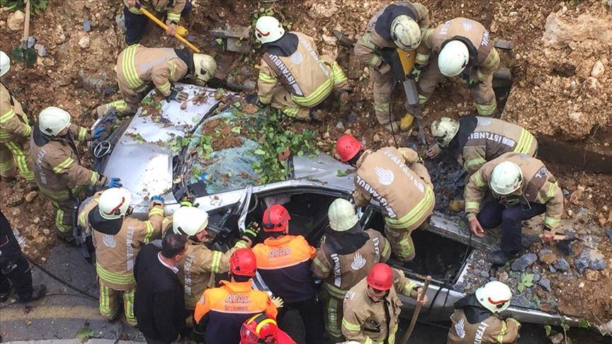 İstinat duvarı çöktü!  Göçük altında kalan bir kişi hayatını kaybetti!