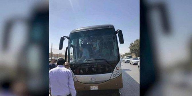 Turistleri taşıyan bir otobüste patlama!