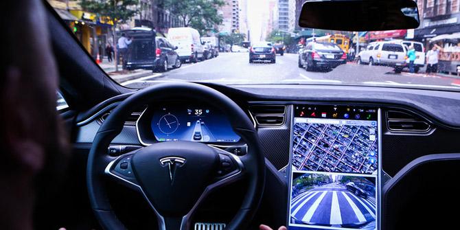 Apple'ın Tesla'yı satın almak istediği ortaya çıktı
