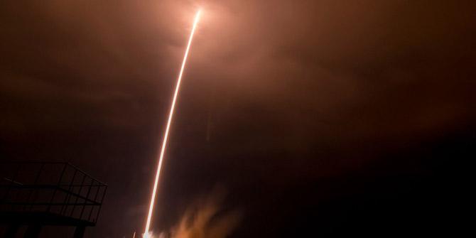 Soyuz 2 roketine şimşek çarptı