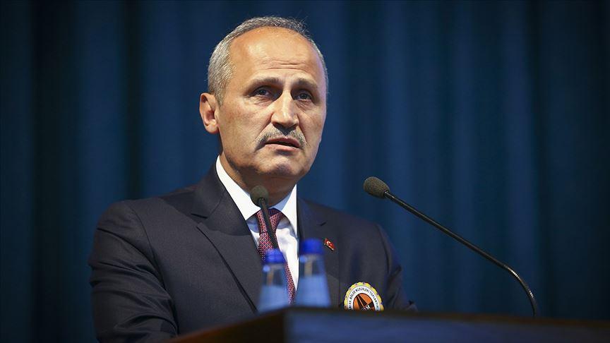 Bakan Turhan'dan Aydın-Denizli Otoyol ihalesine onay