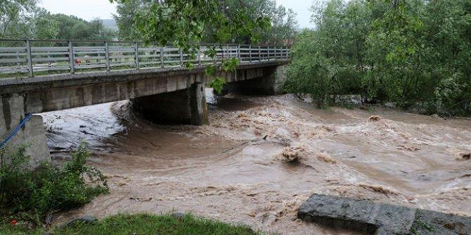 Meteoroloji uyardı: Sağanak sonrası su baskınlarına dikkat