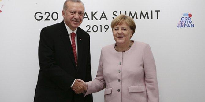 Cumhurbaşkanı Erdoğan ve Merkel görüştü!