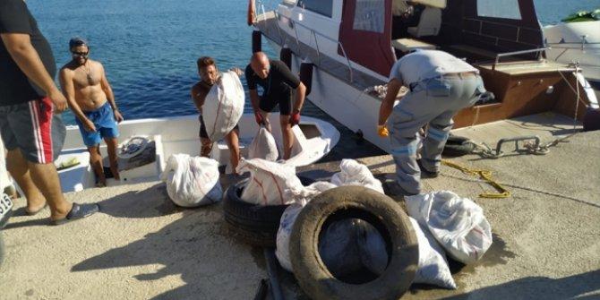Datça'da deniz dibinden 2 saatte 2 ton atık çıkarıldı