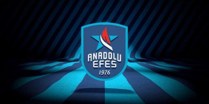 Anadolu Efes, başarılı kadrosunu koruyor! Pleiss kaldı