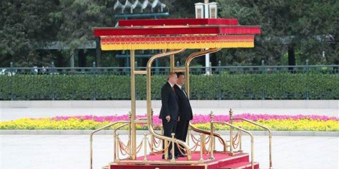 Erdoğan, Çin'de resmi törenle karşılandı!