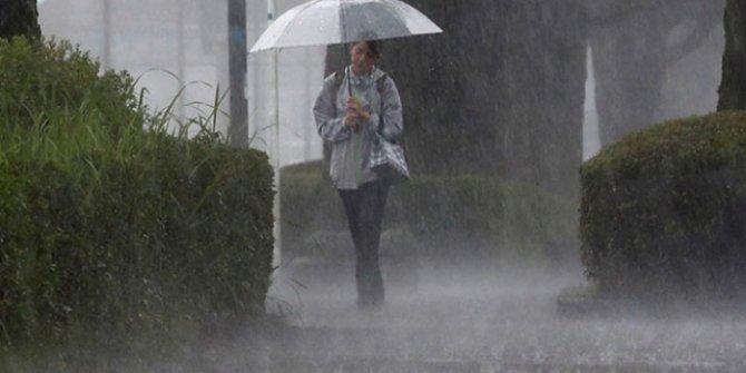 Japonya'da aşırı yağışlar nedeniyle 800 bin kişiye tahliye emri