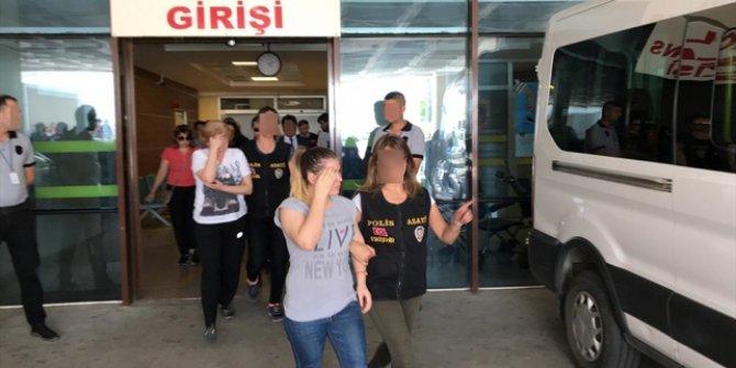 Sarar çiftini soyan hırsızlar Türkiye'ye iade edildi