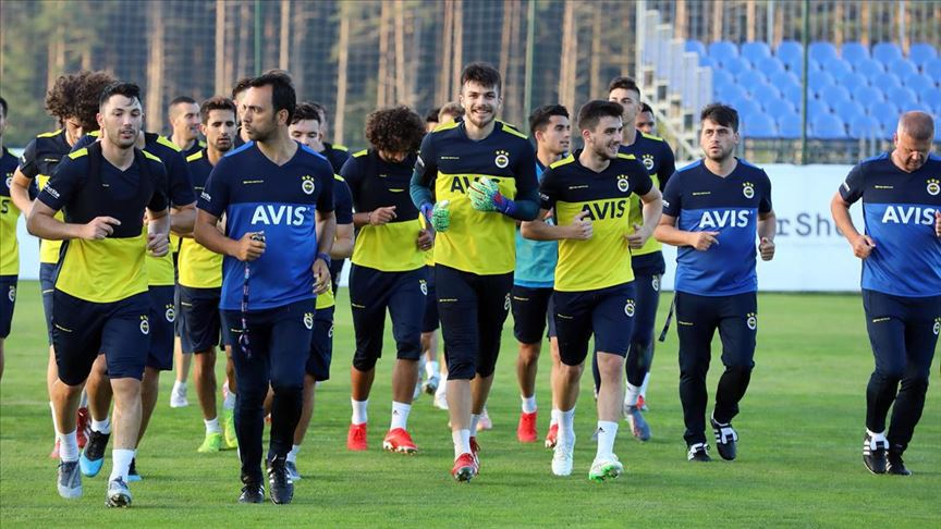 Fenerbahçe, Topuk Yaylası'ndaki ilk antrenmanını yaptı