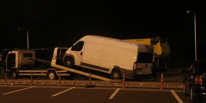 Durdurulan kamyonette 42 göçmen yakalandı