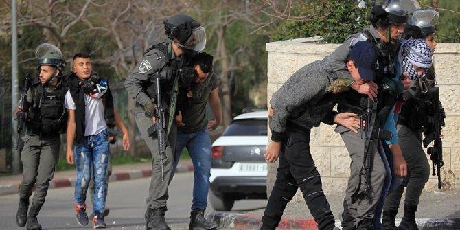 Batı Şeria'da 8 Filistinliyi gözaltına aldı!
