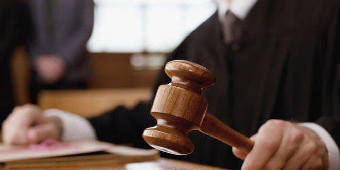 Cumhuriyet gazetesi yazarına hapis cezası