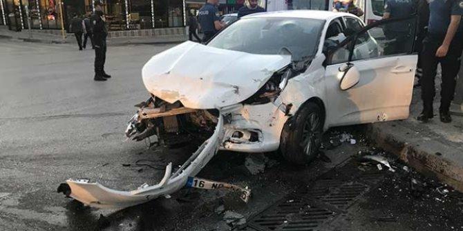 Ankara'nın Yenimahalle ilçesinde  trafik kazası