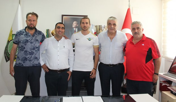 Akhisarspor Tolga Ünlü ve Gökhan Değirmenci'yi kadrosuna kattı!