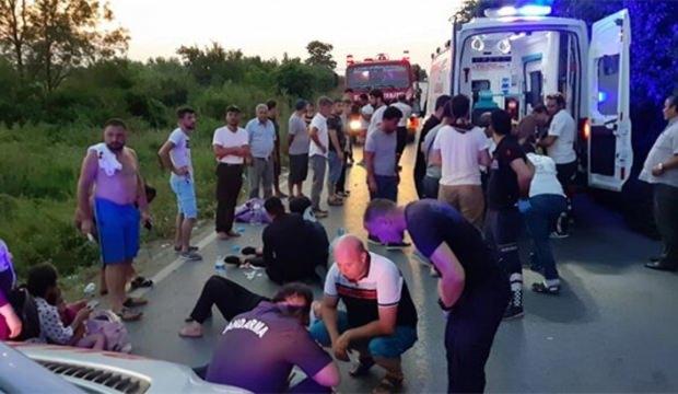 Çatalca'da feci kaza! Minibüs devrildi: 12'si ağır 23 yaralı