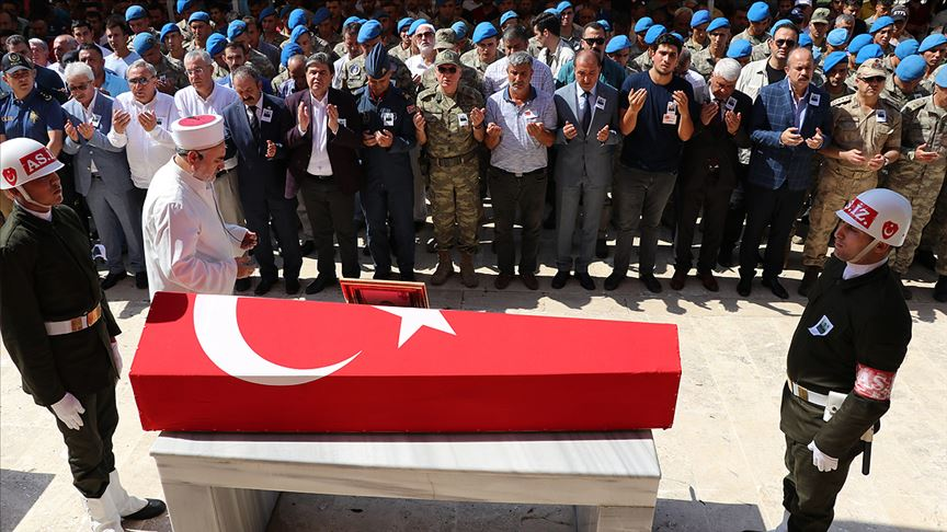 Şehit uzman onbaşı Şevik son yolculuğuna uğurlandı