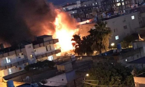 Reyhanlı'da bir evde patlama meydana geldi: Yaralılar var