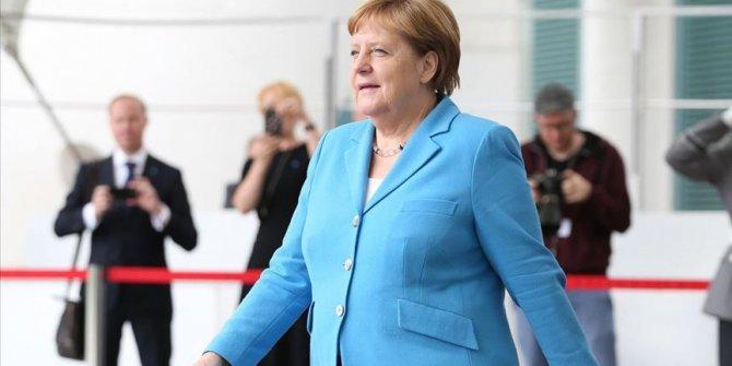 """Angela Merkel'den sağlık açıklaması! """"Endişe etmeye gerek yok"""""""