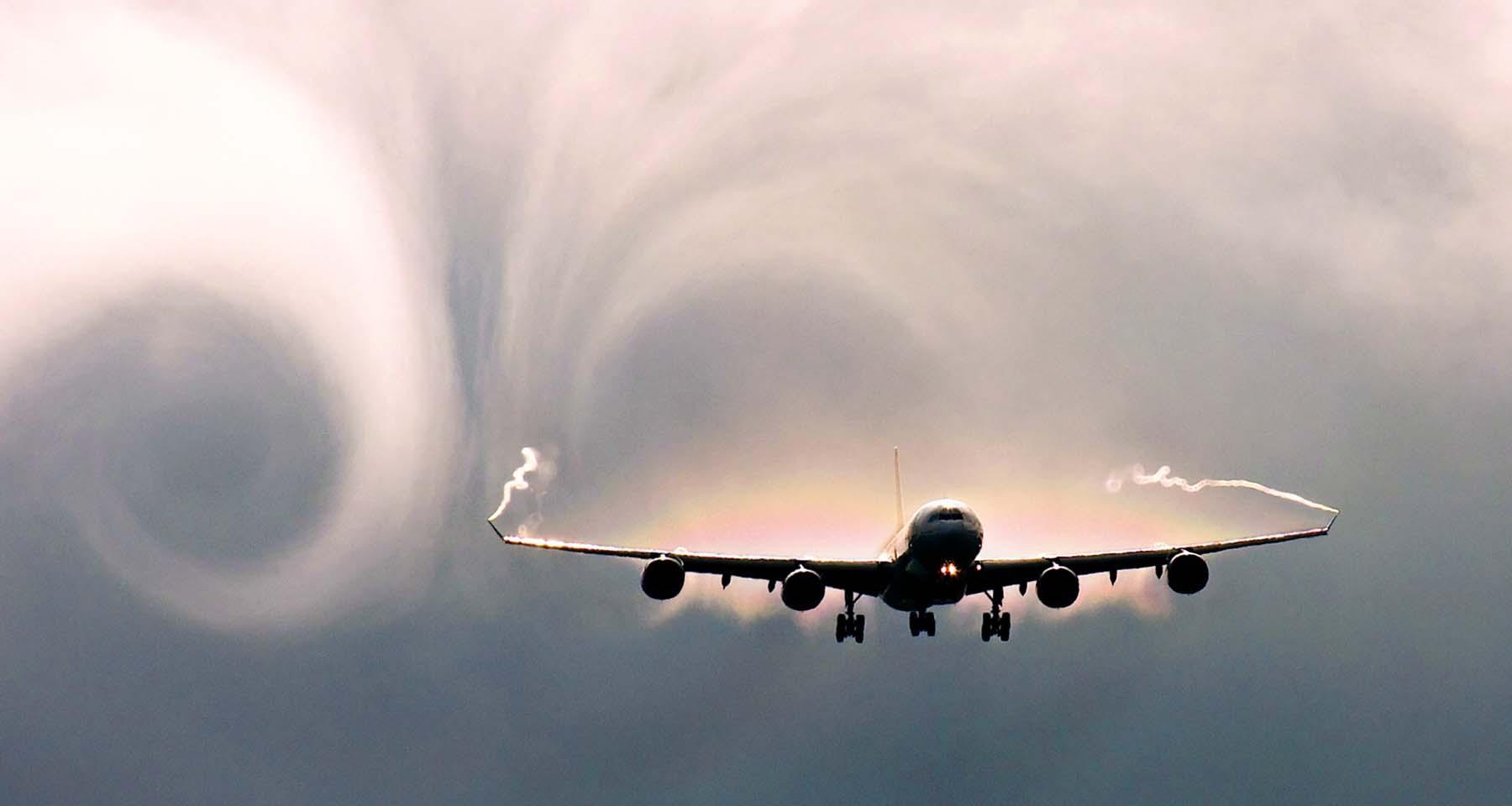 Yolcu uçağı türbulansa girdi! 30 kişi yaralandı