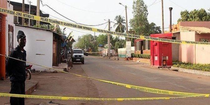Yolcu otobüsüne ve sivil kampa saldırı: 7 ölü