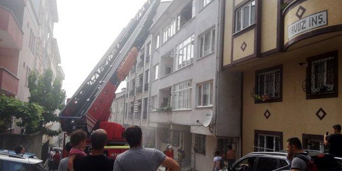 Esenyurt'ta 5 katlı bir binada yangın