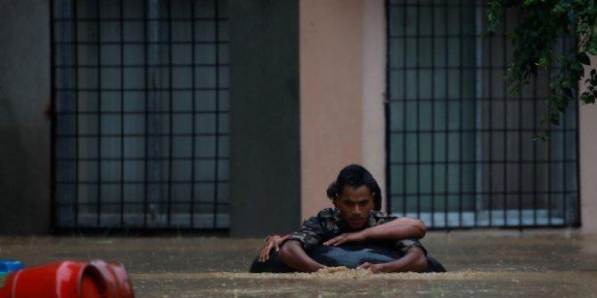 Sel ve toprak kaymaları nedeniyle 45 kişi hayatını kaybetti