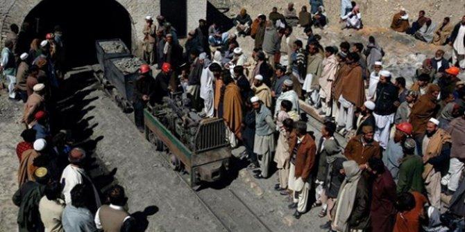 Pakistan'da maden çöktü: 11 işçi mahsur