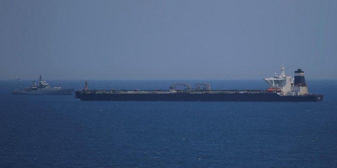 İran Devrim Muhafızları yabancı bayraklı tankeri durdurdu