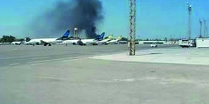 Libya'daki uluslararası havalimanı vuruldu