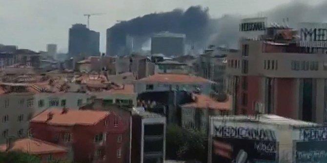 Ümraniye'de inşaat alanında yangın