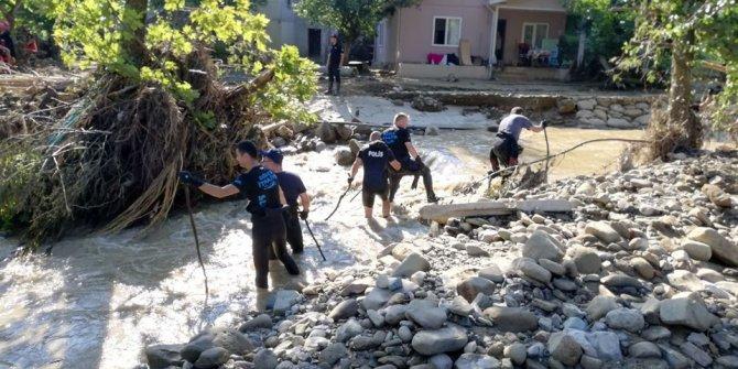 Düzce'de selde kaybolan 1 çocuğun cansız bedenine ulaşıldı