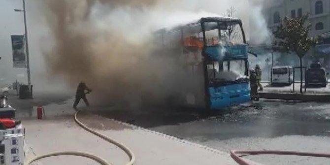 Çift katlı özel halk otobüsünde yangın