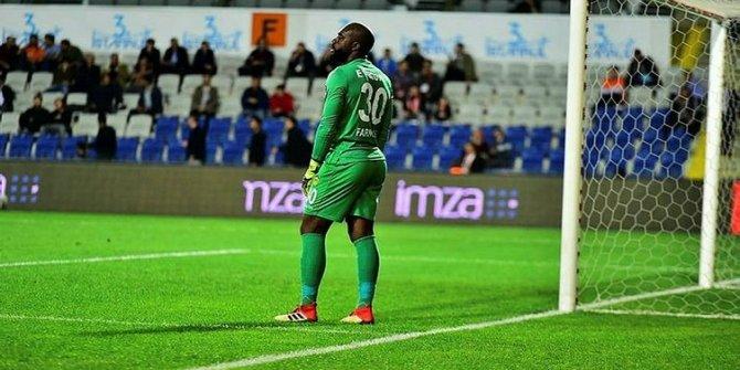 Malatyasporlu futbolcuya ırkçı saldırı! 'İçeride ağlıyor'