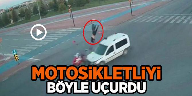 Motosiklet kazası! Sürücü bir yere uçtu motosiklet bir yere