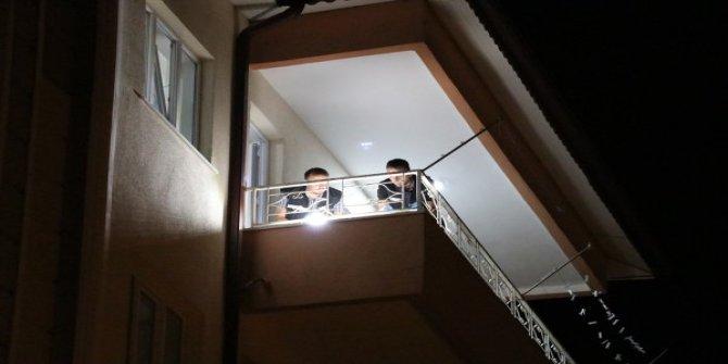 Beşinci kattan düşen bebek ağır yaralandı
