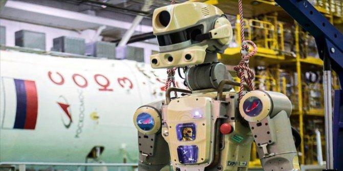 Ruslar robot Fyodor'u uzaya yolladı