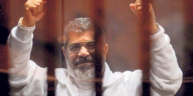Mursi'nin oğlu kalp krizinden vefat etti