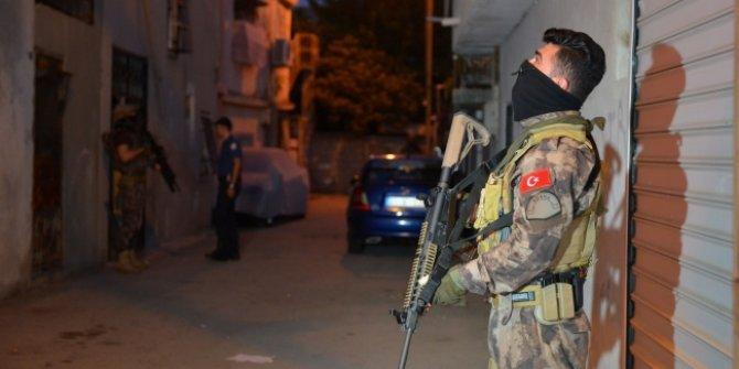 Zehir tacirlerine şafak baskını: 38 gözaltı