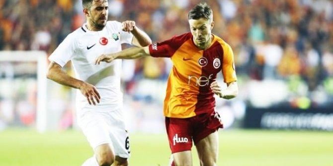 Galatasaray'ın yıldızı kadro dışı kaldı