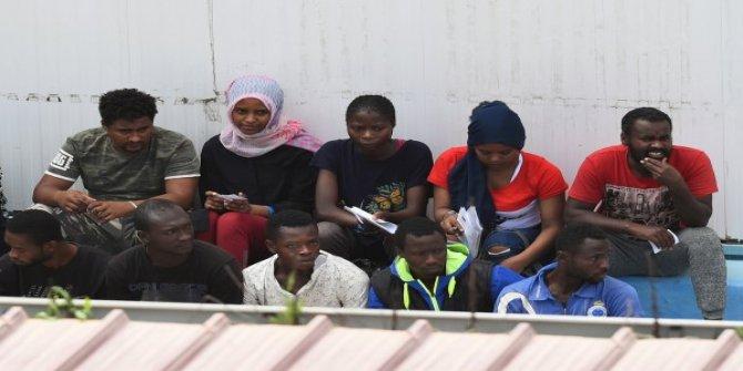İtalya'nın göçmenleri kabulü, Macaristan'ı kızdırdı