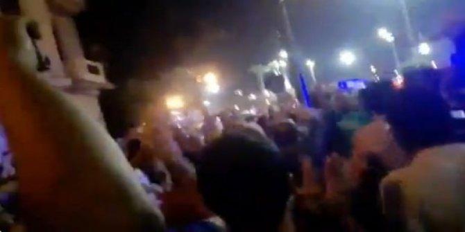 Mısır'da halk Tahrir Meydanı'nda! Polis harekete geçti!