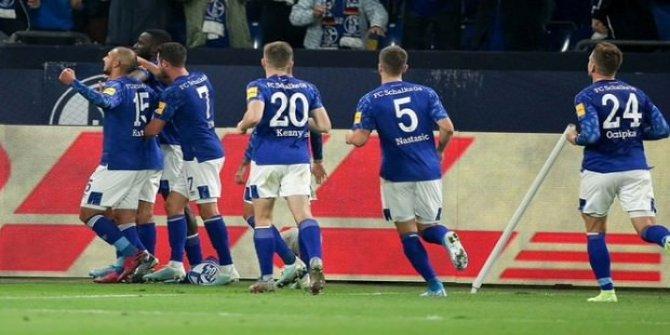 Schalke evinde kazandı! Ozan Kabak...